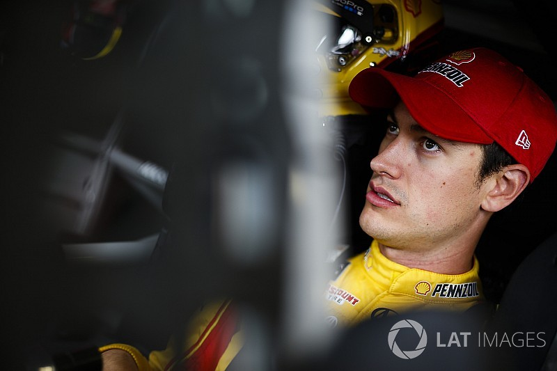 Logano leads final practice at Martinsville