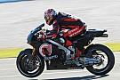 Photos - Les pilotes à la découverte d'une nouvelle moto