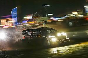 WRC Prova speciale Gran Bretagna, PS15: la nebbia sconvolge la classifica. Ogier fora ma è 2°!
