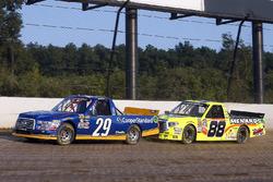 Chase Briscoe, Brad Keselowski Racing Ford y Matt Crafton, ThorSport Racing Toyota