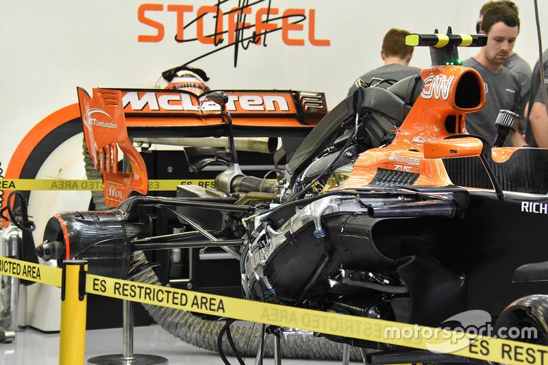 McLaren MCL32 rear detail