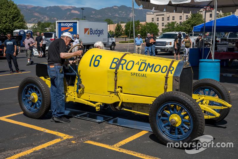 Автомобиль Broadmoor Special