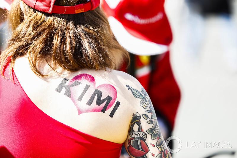 Уболівальниця Кімі Райкконена, Ferrari
