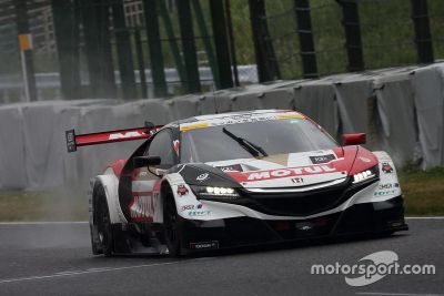 Essais de Jenson Button en Super GT