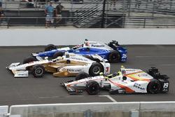 Helio Castroneves, Team Penske Chevrolet, Ed Jones, Dale Coyne Racing Honda, Takuma Sato, Andretti Autosport Honda