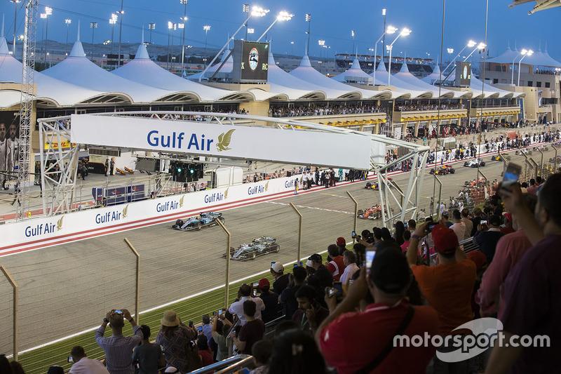 Valtteri Bottas, Mercedes AMG F1 W08, et Lewis Hamilton, Mercedes AMG F1 W08