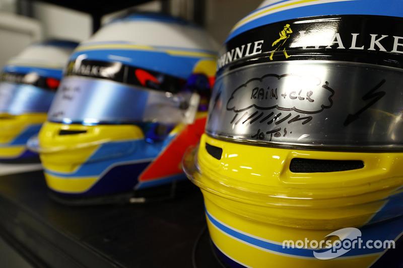 Helme von Fernando Alonso, McLaren