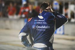 Elliott Sadler, JR Motorsports Chevrolet reacciona después de perder el Campeonato