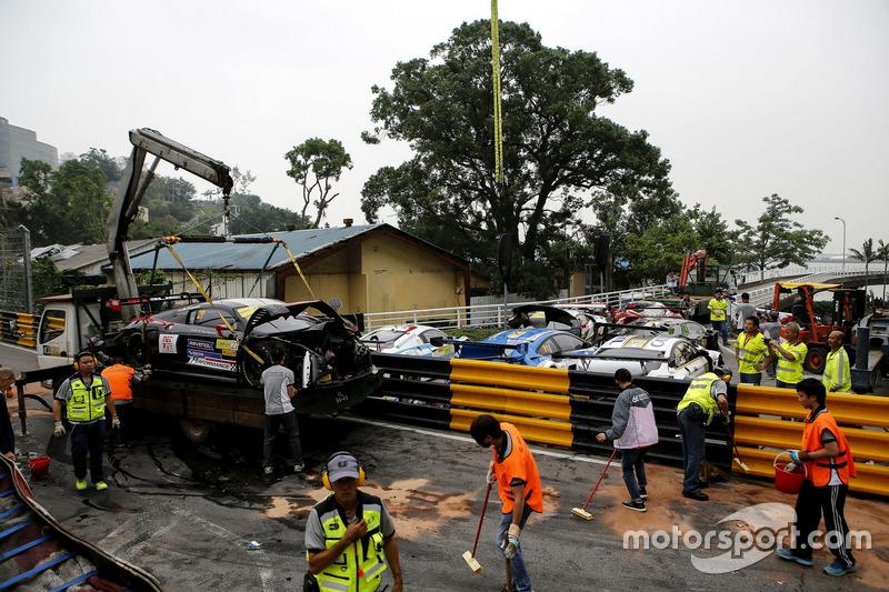 Los coches que se estrellaron en Macau