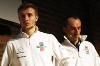 Sergey Sirotkin, Robert Kubica, Williams op het podium tijdens de presentatie van de FW41