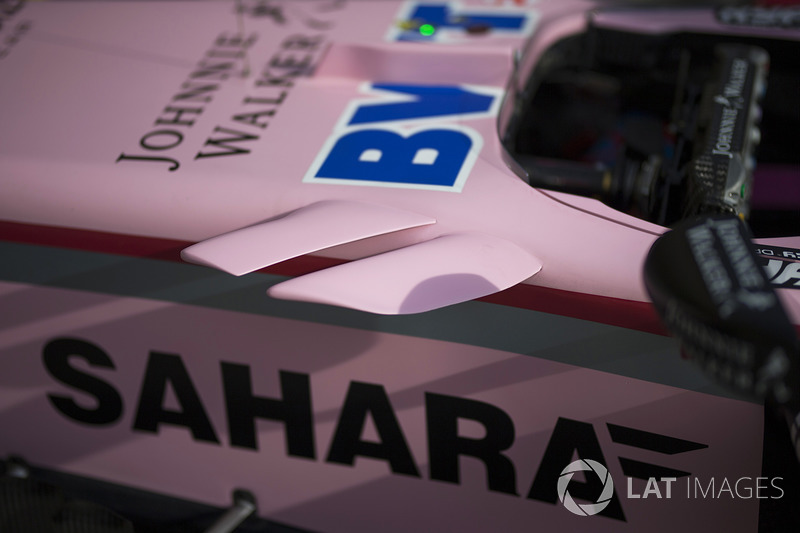 Аэродинамический элемент на боковине кокпита Force India VJM10