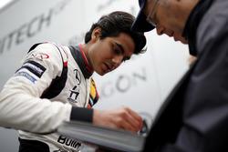 Enaam Ahmed, Hitech Bullfrog GP Dallara F317 - Mercedes-Benz