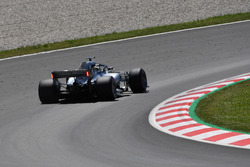 Lewis Hamilton, Mercedes-AMG F1 W09 arka kanatta ışıklar