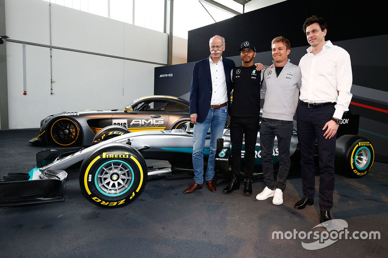 Lewis Hamilton, Mercedes AMG F1 Team, Nico Rosberg, Mercedes AMG F1 Team, Toto Wolff, Mercedes AMG F1 Shareholder and Executive Director and Dr. Dieter Zetsche, Daimler AG CEO
