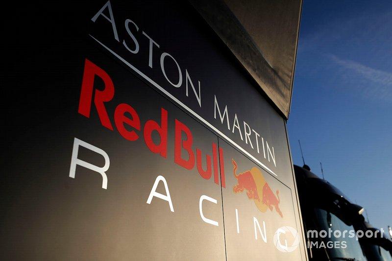 Трейлеры Red Bull Racing