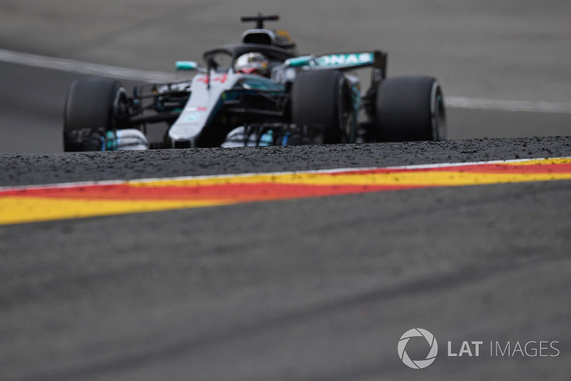 Lewis Hamilton, Mercedes AMG F1 W09 y mármoles