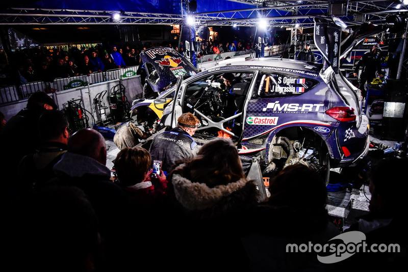 Sébastien Ogier, Julien Ingrassia, M-Sport Ford WRT Ford Fiesta WRC en el servicio