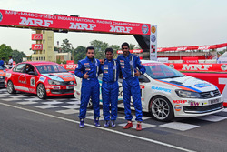 Race winner Keith Desouza (right), second placed Niranjan Todkari (centre) and third placed Karminder Pal Singh (left)