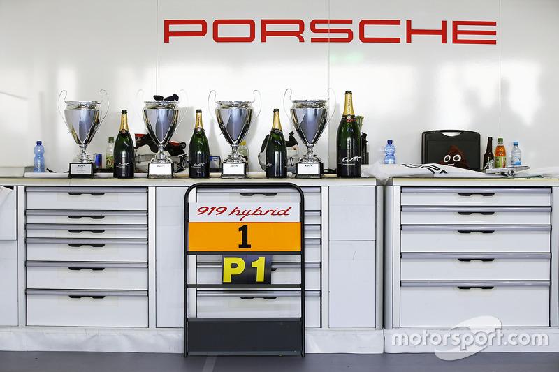 Sieger: #1 Porsche Team, Porsche 919 Hybrid: Timo Bernhard, Mark Webber, Brendon Hartley