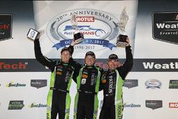 Победители гонки Скотт Шарп, Райан Дил и Брендон Хартли, Tequila Patrón ESM