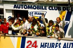 Podium: Winners Jochen Mass,  Manuel Reuter, Stanley Dickens, Sauber Mercedes, deuxième place Mauro Baldi, Kenny Acheson, Gianfranco Brancatelli, Sauber Mercedes, third place Bob Wollek, Hans-Joachim Stuck, Joest Racing