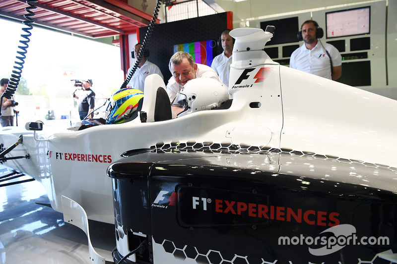Zsolt Baumgartner, F1 Experiences 2-Seater driver and F1 Experiences 2-Seater passenger Will Buxton,