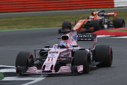 Серхіо Перес, Sahara Force India F1 VJM10, Стоффель Вандорн, McLaren MCL32