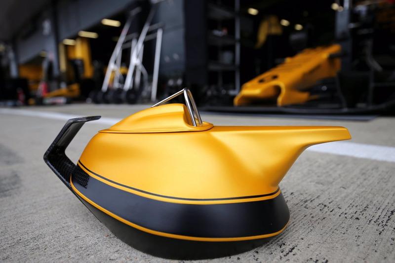 «Юбилейный» чайник Renault F1