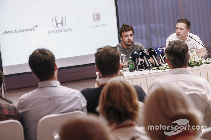 Fernando Alonso and Zak Brown, Executive Director, McLaren Technology Group, announce Fernando's dea