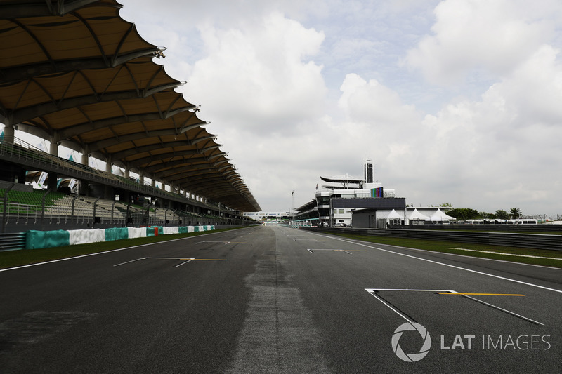 Sepang circuit pit straight detail