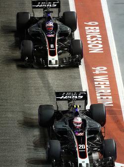 Кевин Магнуссен и Ромен Грожан, Haas F1 Team VF-17