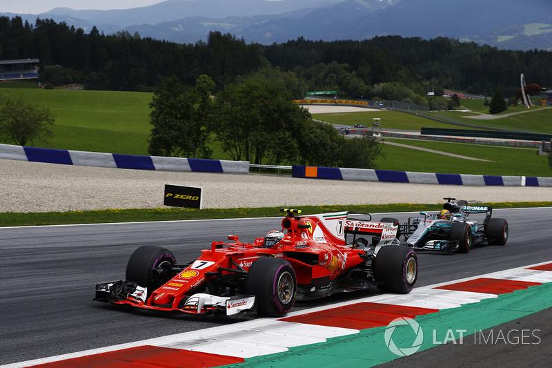 Raikkonen, lejos de Vettel