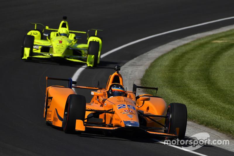 Fernando Alonso, Andretti Autosport Honda, Simon Pagenaud, Team Penske Chevrolet