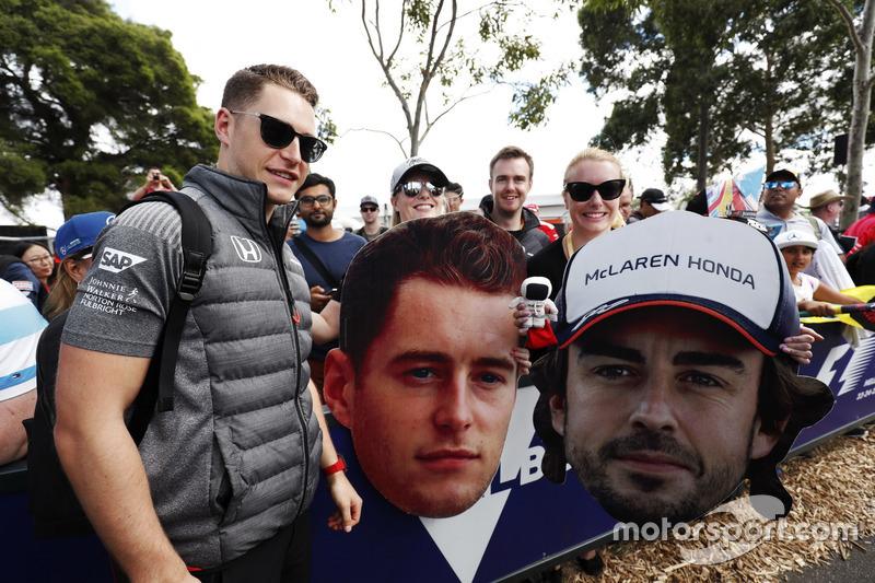 Stoffel Vandoorne, McLaren, mit Fans