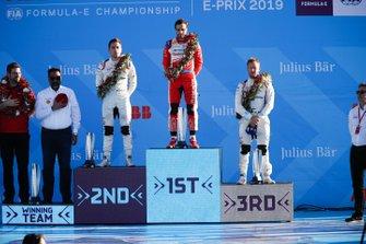 Robin Frijns, Envision Virgin Racing, 2° classificato, Jérôme d'Ambrosio, Mahindra Racing, 1° classificato, Sam Bird, Envision Virgin Racing, 3° classificato, sul podio