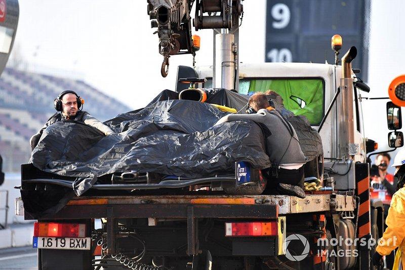 El monoplaza de Lando Norris, McLaren MCL34 es llevado hasta los boxes