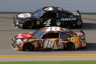 Kevin Harvick, Stewart-Haas Racing, Ford Mustang Busch Beer Car2Can Kyle Busch, Joe Gibbs Racing, Toyota Camry M&M's Chocolate Bar