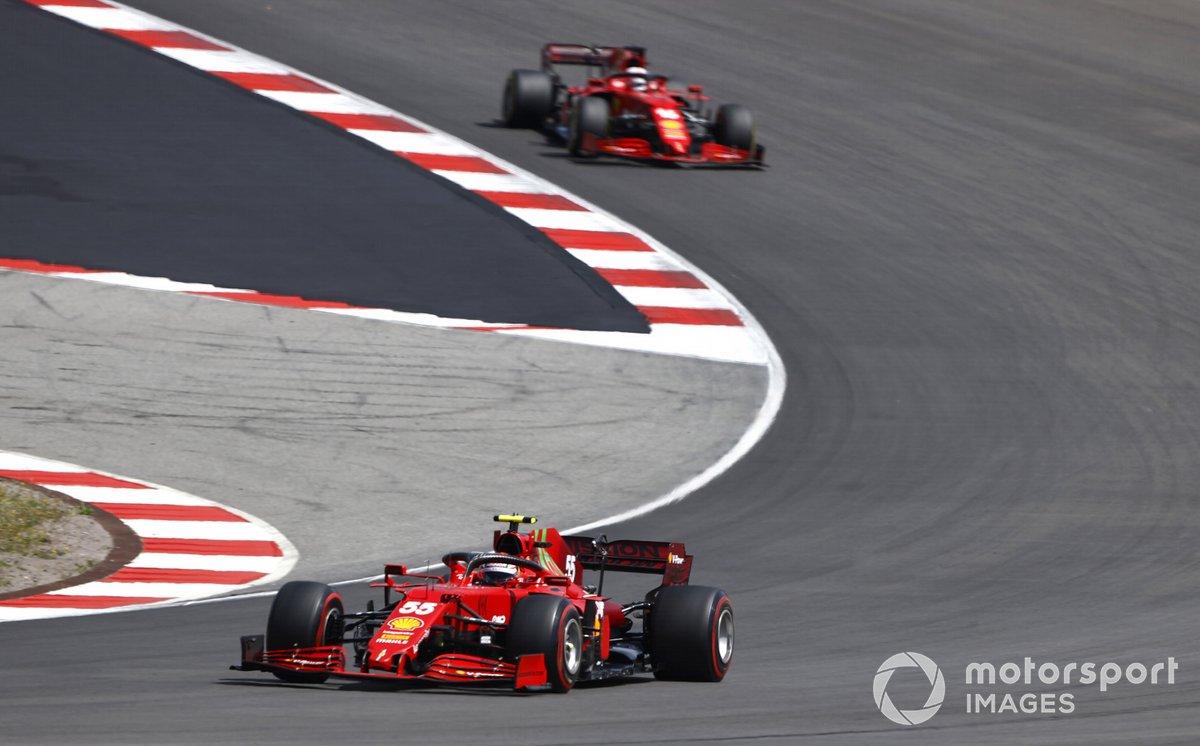 Carlos Sainz Jr., Ferrari SF21, Charles Leclerc, Ferrari SF21