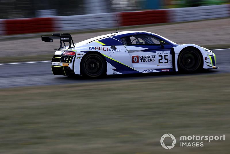 #25 Sainteloc Racing Audi R8 LMS: Simon Gachet, Christopher Haase