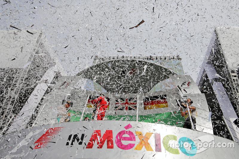Sebastian Vettel, Ferrari celebra en el podio