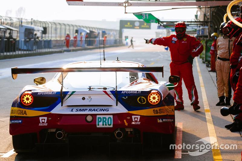 24. #51 AF Corse Ferrari 488 GTE: Джанмарія Бруні, Джеймс Каладо