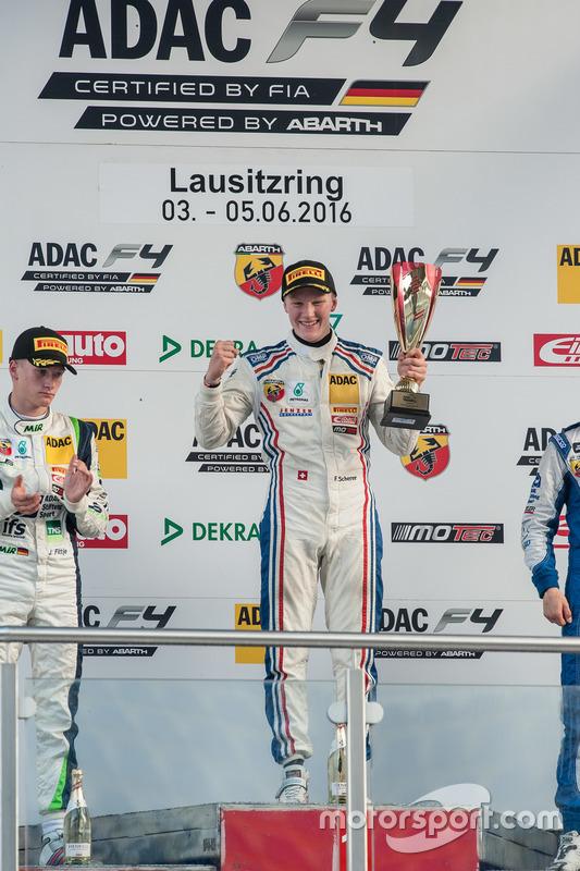 Podium: Fabio Scherer, Jenzer Motorsport