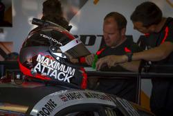 #14 Optimum Motorsport Audi R8 LMS: Edward Sandstroem casco