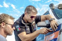 Pedro de Uriarte y Jose Eduardo Vanzzini, Dakar Team