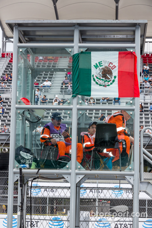 Track mashals with Mexican flag
