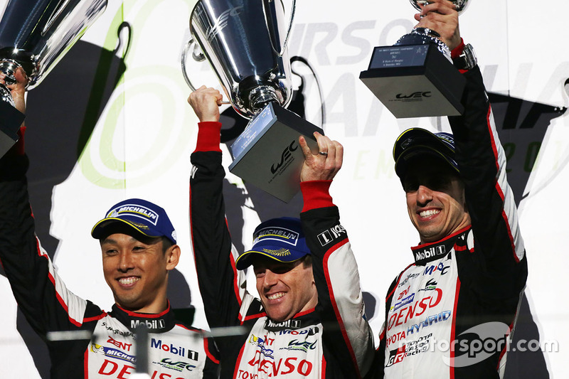 Sébastien Buemi, Anthony Davidson e Kazuki Nakajima foram os vencedores das 6 Horas de Xangai, com o Toyota #8, mas...