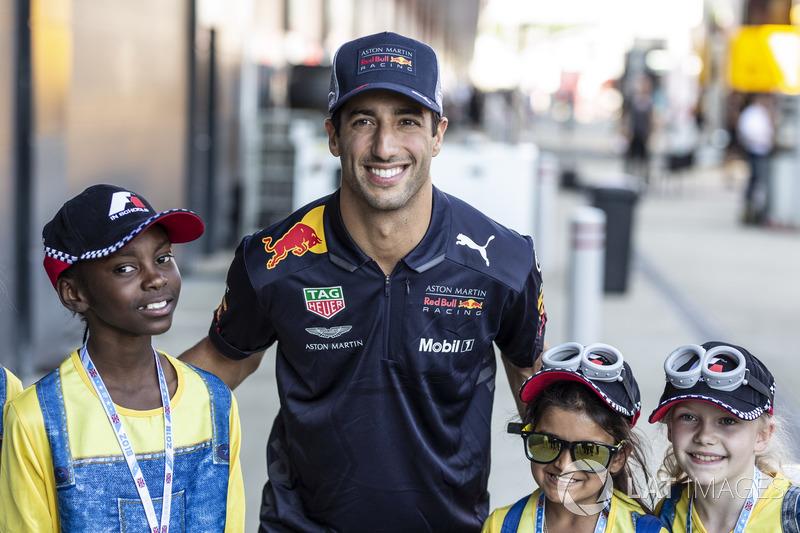 Daniel Ricciardo, Red Bull Racing et de jeunes fans