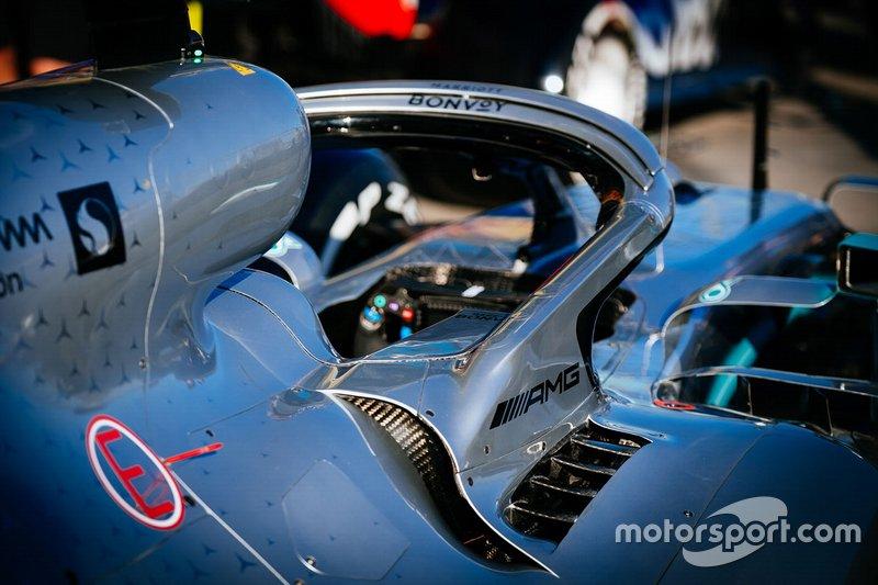 Detalle de halo de Mercedes AMG F1 W10