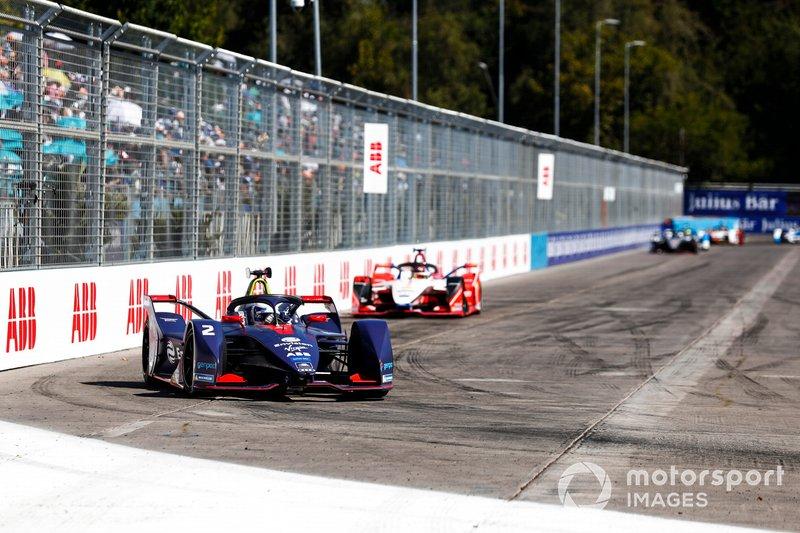 Sam Bird, Envision Virgin Racing, Audi e-tron FE05, Pascal Wehrlein, Mahindra Racing, M5 Electro