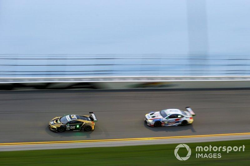 #57 Meyer Shank Racing w/ Curb-Agajanian Acura NSX GT3, GTD: Кетрін Легг, Ана Беатріс, Сімона де Сільвестро, Крістіна Нільсен